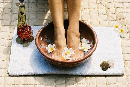 baño-pies Secretos de belleza ayurveda para los pies y el cuerpo